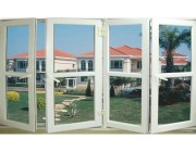 Sử dụng cửa nhựa hay cửa nhôm kính