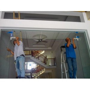 Quy trình lắp đặt cửa kính cường lực