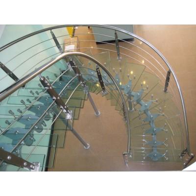 Tìm hiểu về cầu thang kính