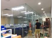 Thi công kính cường lực tại Cty AMDI tại Mỹ Đình, Hà Nội