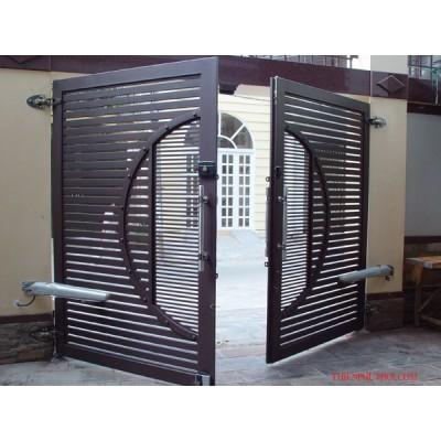 Sử dụng cửa sắt trong xây dựng