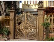 Mẫu cửa cổng sắt mỹ thuật đẹp 2