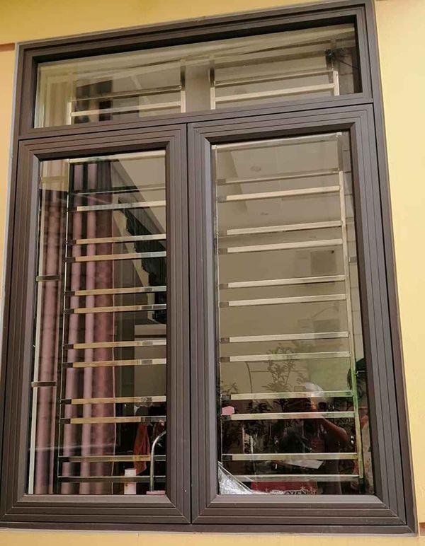 Khám phá 30 mẫu cửa nhôm Xingfa màu ghi và đen đẹp, sang trọng