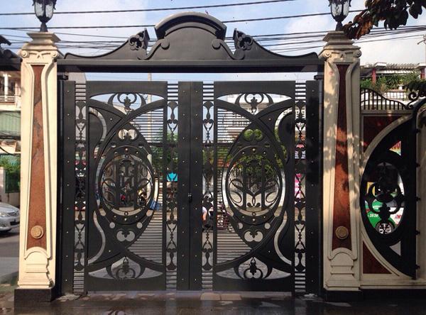 Báo giá làm cửa sắt, cổng sắt, hoa cửa sắt đẹp giá rẻ 2020