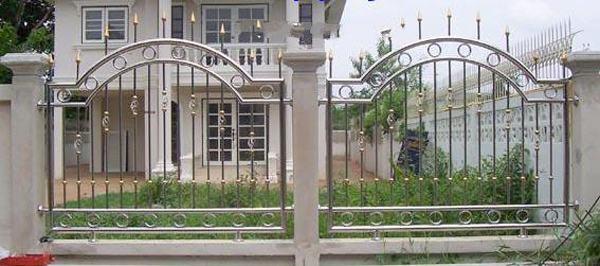 Khám phá 30 mẫu hàng rào inox đẹp, hiện đại, mới nhất hiện nay