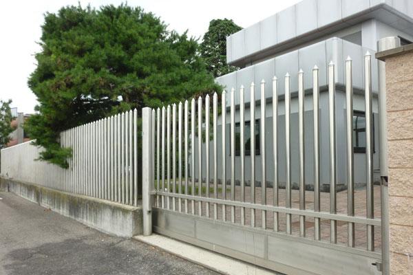Khám phá 30 mẫu hàng rào inox đẹp, hiện đại, mới nhất hiện thời